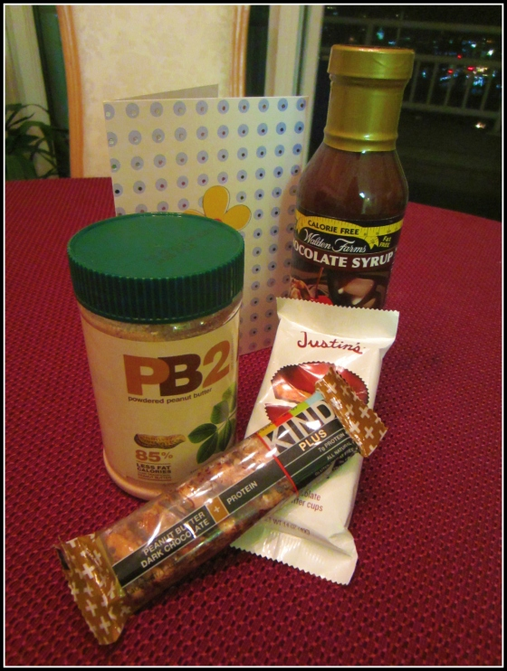 Lean Green Bean Foodie Penpals PB2, Walden Chocolate Syrup, Justins Dark Chocolate Peanut Butter Cups, Chocolate Peanut Butter KIND Bar