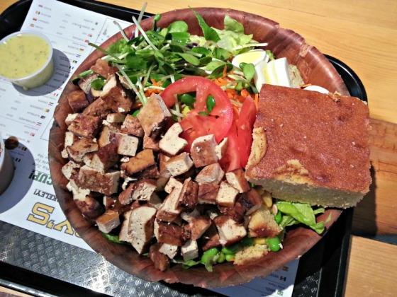 Pappys Berkeley Tofu Chef Harvest Salad Cornbread