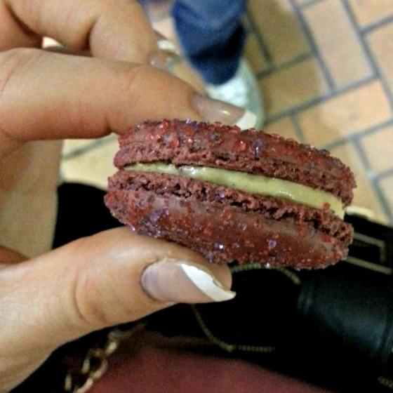 Tout Sweet Raspberry Peanut Butter Macaron