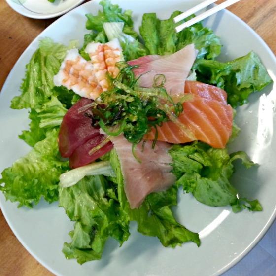 Geta Sushi Sashimi Seaweed Salad